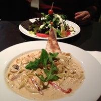 Das Foto wurde bei Open Café & Wine Bar von Guadalupe S. am 9/9/2012 aufgenommen