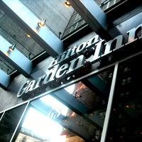 Foto tirada no(a) Hilton Garden Inn por Zara M. em 5/6/2012