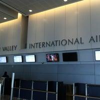 Foto tomada en Lehigh Valley International Airport (ABE) por Jenny el 8/11/2012