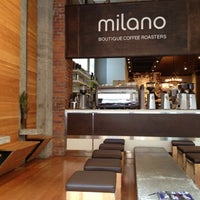 4/30/2012 tarihinde Jeff S.ziyaretçi tarafından Milano Coffee'de çekilen fotoğraf