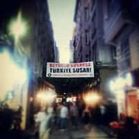 9/3/2012 tarihinde Arzu E.ziyaretçi tarafından Vosvos Cafe'Bar'de çekilen fotoğraf