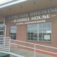 Снимок сделан в Cascade Brewing Barrel House пользователем Blake C. 3/27/2012