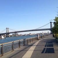 7/9/2012 tarihinde Citlalic J.ziyaretçi tarafından East River Park'de çekilen fotoğraf