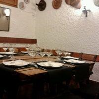 รูปภาพถ่ายที่ La Taberna de Lesseps โดย Salvador M. เมื่อ 3/19/2012