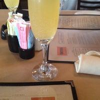 Снимок сделан в Taverna пользователем Julia P. 8/11/2012