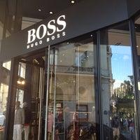 Foto tomada en BOSS Store por Timofey R. el 7/21/2012