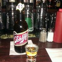 Photo prise au Pippin's Tavern par Kris A. le2/12/2012