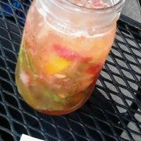 8/2/2012 tarihinde Mel M.ziyaretçi tarafından Moonshine'de çekilen fotoğraf