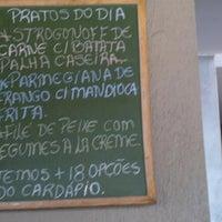 Снимок сделан в Eskina Bar e Restaurante пользователем Renato K. 8/13/2012