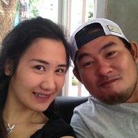 รูปภาพถ่ายที่ Dlux9 โดย Honeymew B. เมื่อ 5/6/2012