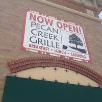 Photo prise au Pecan Creek Grille par Adam L. le6/11/2012