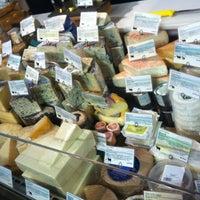 Foto scattata a Pastoral Artisan Cheese, Bread & Wine da Kamilah M. il 3/24/2012