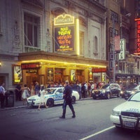 Foto diambil di Longacre Theatre oleh Anthony T. pada 8/8/2012