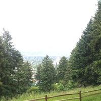 6/2/2012 tarihinde Kyle H.ziyaretçi tarafından Mt. Tabor Park'de çekilen fotoğraf