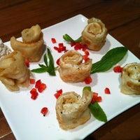 6/23/2012 tarihinde Piyanuch T.ziyaretçi tarafından Chefs Gallery'de çekilen fotoğraf