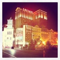 Das Foto wurde bei Bally's Casino & Hotel von Aey Chalermsee K. am 8/20/2012 aufgenommen