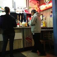7/14/2012にBen M.がIzzy's Burger Spaで撮った写真