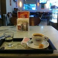 5fe7c3e2bd1 ... Foto tirada no(a) Fran amp  39 s Café por Ariani M ...