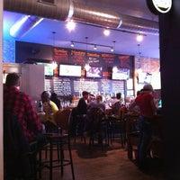 Das Foto wurde bei Burger Bar von Eric S. am 2/19/2012 aufgenommen