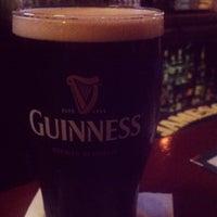 Das Foto wurde bei Casey's Irish Pub von Gestina am 5/9/2012 aufgenommen