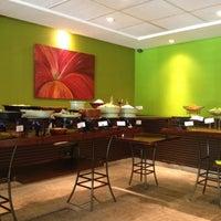 รูปภาพถ่ายที่ Limone Restaurante e Café โดย Fernando C. เมื่อ 5/5/2012