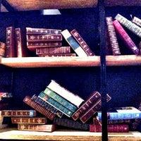 6/27/2012에 Rae A.님이 Archive Beer Boutique에서 찍은 사진
