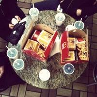 Foto tomada en McDonald's por Markislav P. el 8/9/2012