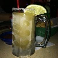 Foto tomada en La Parrilla Mexican Restaurant por sheri e. el 2/23/2012