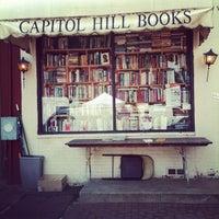 Photo prise au Capitol Hill Books par melanie le5/5/2012