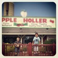 5/29/2012에 M-Kay R.님이 Apple Holler에서 찍은 사진