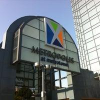 7/22/2012にVictor J.がMetropolis at Metrotownで撮った写真