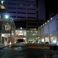 Foto tomada en Plaza Sol Luxury Hall & Business por Alejandro S. el 6/28/2012