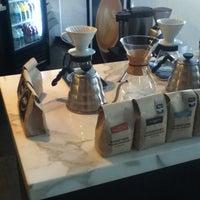 6/7/2012에 George T.님이 Elabrew Coffee에서 찍은 사진