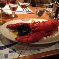 Foto scattata a Legal Sea Foods da Don B. il 5/23/2012