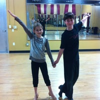 Das Foto wurde bei Dance Galaxy von Jacqueline C. am 3/19/2012 aufgenommen