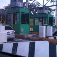Foto tomada en Garita Peaje Autopista Panamá-Colón por Alexis C. el 6/25/2012