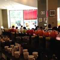 Das Foto wurde bei Argo Tea von Heather B. am 6/29/2012 aufgenommen