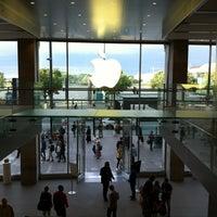 Das Foto wurde bei Apple Jungfernstieg von 垓時 武. am 5/29/2012 aufgenommen