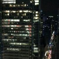 Das Foto wurde bei Sky Room von James Z. am 4/15/2012 aufgenommen