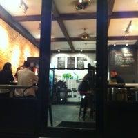 Foto diambil di The QUICK FIXX oleh Anh D. pada 5/6/2012