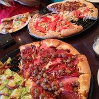 7/19/2012 tarihinde Eric K.ziyaretçi tarafından Woodstock's Pizza'de çekilen fotoğraf