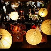 Foto diambil di Bar Lobo oleh Carlos R. pada 7/4/2012
