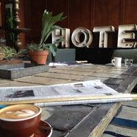 Снимок сделан в Stumptown Coffee Roasters пользователем Ali J. 5/8/2012