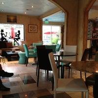7/8/2012 tarihinde Rose G.ziyaretçi tarafından Bacchus Coffee & Wine Bar'de çekilen fotoğraf