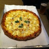Foto scattata a Basic Urban Kitchen & Bar da Kay C. il 8/28/2012