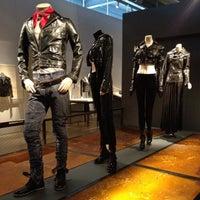 Das Foto wurde bei Harley-Davidson Museum von Sugar J. am 7/16/2012 aufgenommen