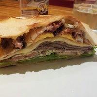 Foto tirada no(a) Wow Burger por Vanessa C. em 7/18/2012