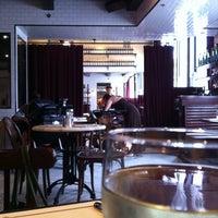 Das Foto wurde bei Gaslight von Kate D. am 9/2/2012 aufgenommen