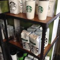 3/10/2012 tarihinde London P.ziyaretçi tarafından Starbucks'de çekilen fotoğraf