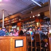 Foto tomada en Portsmouth Brewery por Antonio F. el 5/27/2012